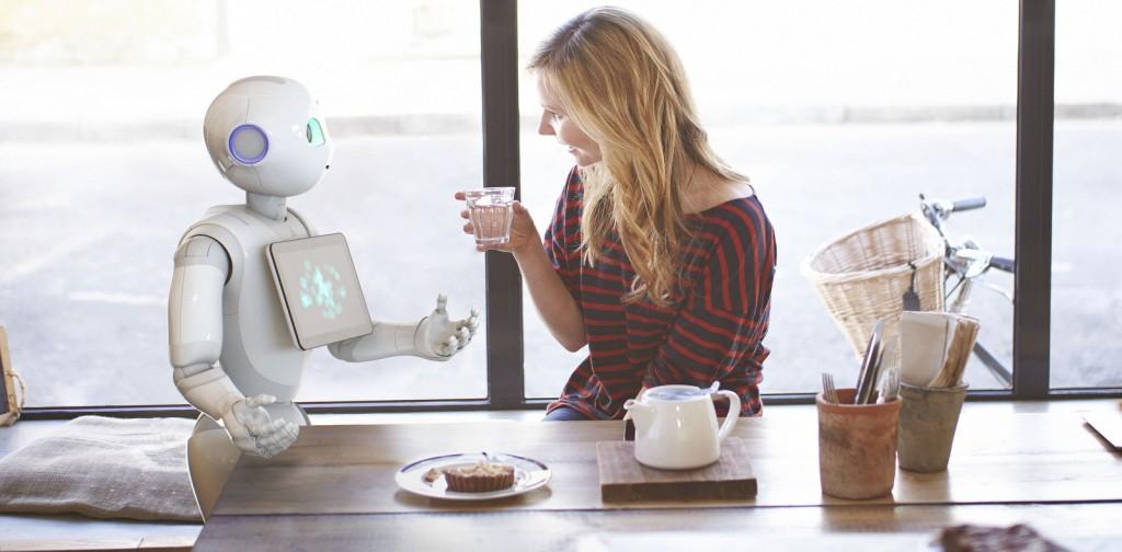 pepper robot JULIETTE_CURIOSITY_ON